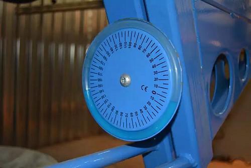 Жидкостный угломер поддельного станка